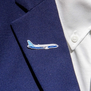 Boeing 737 MAX 8 Pin
